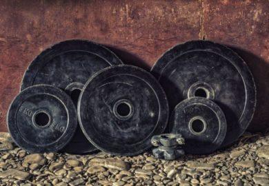 w warunkach domowych możemy ćwiczyć mięśnie brzucha.